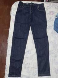 calça jeans preta nunca usada
