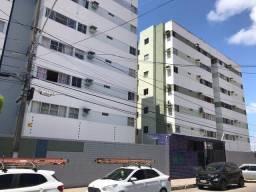 Alug excelente apartamento com três quartos na Pedro Américo no Poço