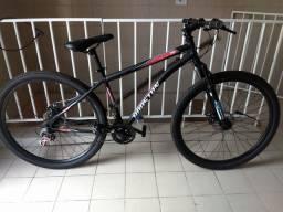 Bicicleta aro 29 com freio a disco 3meses de uso