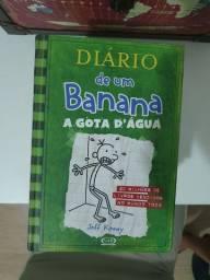 9 livros do Diário de um banana, 7 capa dura, 2 capa mole