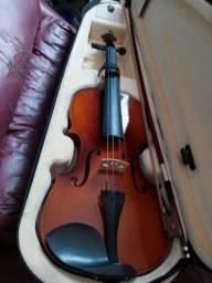 Violino na caixa , nunca foi usado , apenas 500 reais *