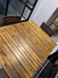 Mesa nova com 4 cadeiras