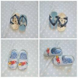 Chinelinho e sandália de criança