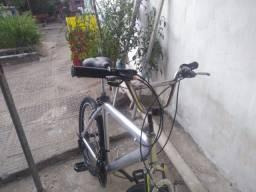 Bike de alumínio conservada!