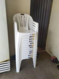 12 cadeiras usada só 1 semana.aceito cartão 2x
