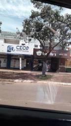 Alugo sala comercial na avenida principal do aureny3