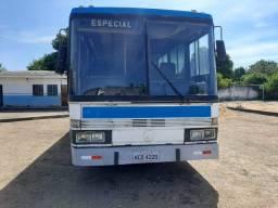 Ônibus - Mercedes - 44 lugares