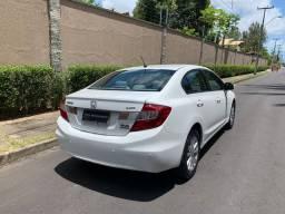 Honda Civic Branco LXR 2.0 ano 2014, automático, pneus novos, único dono