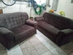 Dois sofá - trese dois lugares