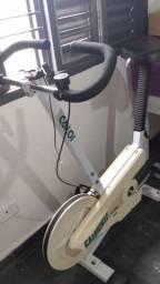 Elíptico, simulador de caminhada e bicicleta ergométrica R$:600,00 os 2