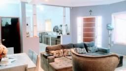 Vendo belíssima casa com 3 quartos, passo por R$ 42 mil + parcelas