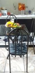 Mesa de 4 cadeira