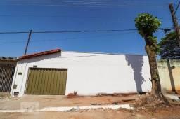 Aluga casa no setor goiania 2