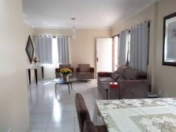 AL - Casa com 03 quartos/ varanda/ no Calhau