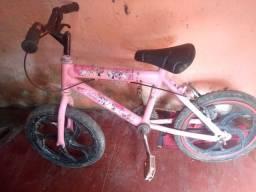 Bicicleta aro 16 precisa apenas trocar um pneu