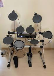 Bateria Eletrônica Alesis DM5 Staff Drum