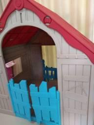 Casinha Infantil Dobrável Colorida Wonderfold Keter.