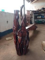 Escultura rústica em madeira bruta, )17) *)