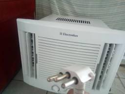 Semi novo Electrolux 10.000