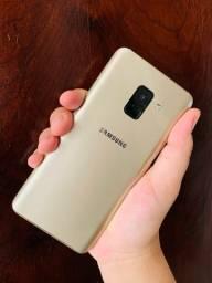 Vendo Samsung A8,Com caixa e Nota fiscal! Em perfeito estado.