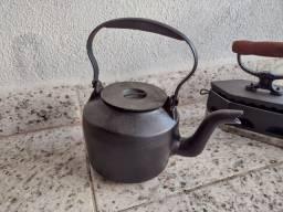 Chaleira Antiga ferro Fundido 1L
