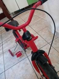 Bicicleta e calecita