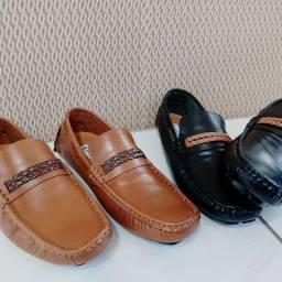 Sapato mocassim drive em couro