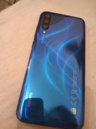 Vendo Xiaomi Mi A3 de 64 GB de memória é 4 GB de RAM com 3 câmeras traseiras de 48 mp