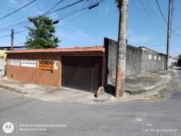 Casa de esquina no Conj Vila Real com edícula
