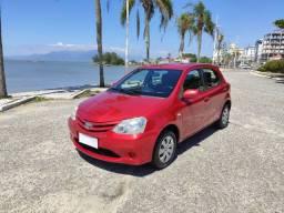 Toyota Etios 1.3 XS Completo - Ótimo Estado