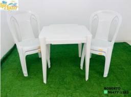 jogo plástico de mesa com 4 cadeiras sem braço