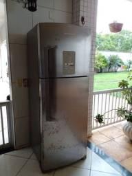 vendo essa geladeira b?astemp dúplex 429 litros funcionando