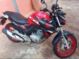 Honda CB twister Parcelado