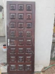 PORTA em madeira maciça de 2,10 X 0,80