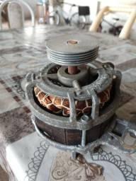 Vendo motor de máquina de lavar Eletrolux