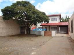Excelente Casa Comercial para Locação com Amplo Estacionamento Av. Jorge Teixeira, B: Libe