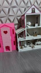 Vendo 2 casinha de boneca uma esta com moveis