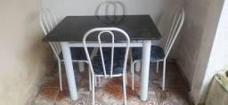 Vende uma mesa de mármore