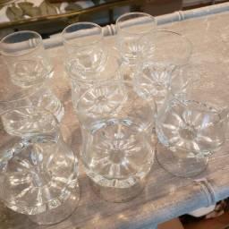 Vendo conjunto de 7 copos finos