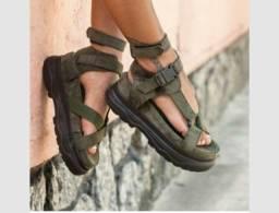 Sandália papete modelo alto
