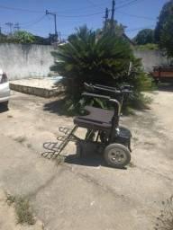 Vendo cadeira de rodas elétrica Nova