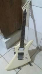 Guitarra tagima extreme explorer