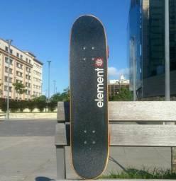 Skate Element com trucks Independent - Quase sem uso!!!
