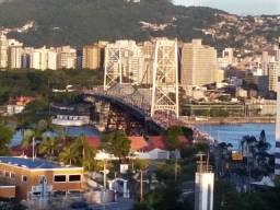Florianópolis, quarto para um casal ou moças em casa de familia para temporada