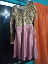 Vestido rendado de festa (curto)