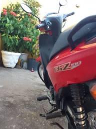Moto Biz 2015 impecável