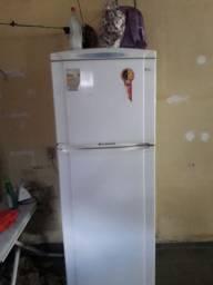 vendo geladeira 2 tampa