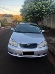 Toyota Corolla em ótimo estado de conservação - 2005