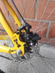 Vendo  bicicleta  aro 26 monaco