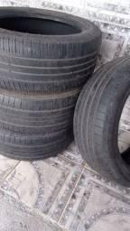 4 pneus 225/50/17 em bom estado de conservação
